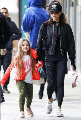 Kidswear Fashion - Harper Beckham
